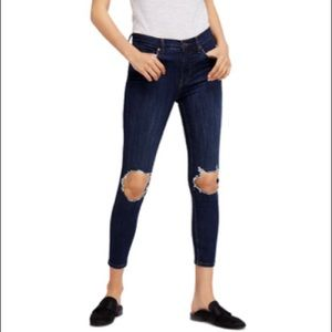 FREE PEOPLE High Rise Busted Knee Jean NWT 31 Blue